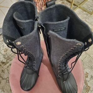 Tall rain/duck boots.